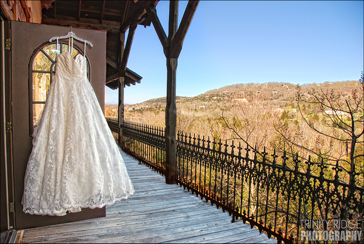 Eureka Springs Wedding Castle Rogue's Manor  Beaver Arkansas dress