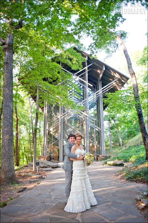 thorncrown chapel wedding eureka springs arkansas glass bride and groom